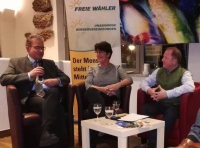 Podiumsdiskussion der Unabhängigen Bürgervereinigungen in Ottobrunn